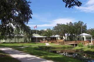 Colonial Oaks Park